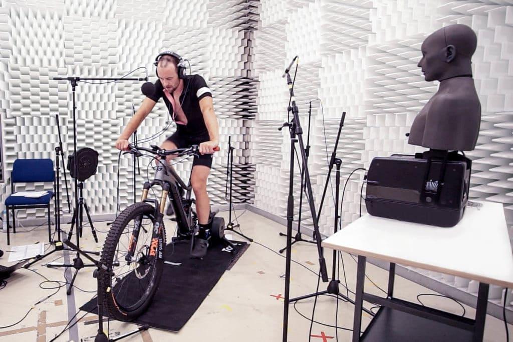 Aufnahme im Halbraum für E-Bike-Soundanalyse von Fazua