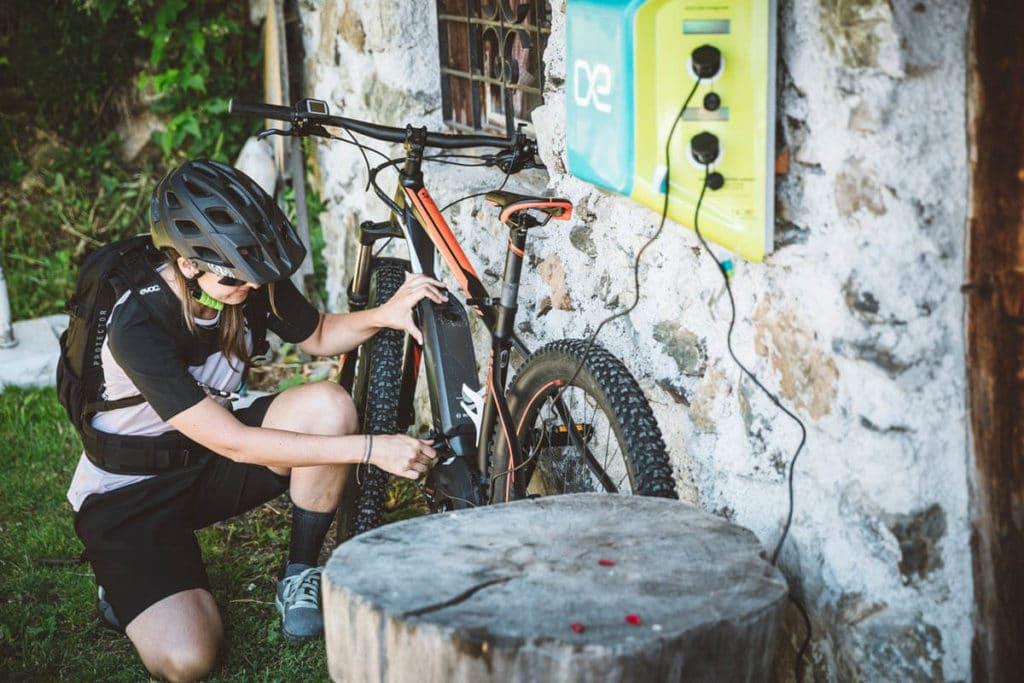 Apps helfen bei der Suche nach Ladestationen für E-Bikes